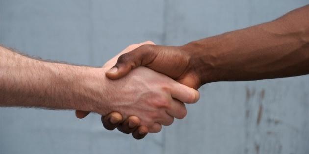 13670-handshake_racial_reconciliation.630w.tn.jpg